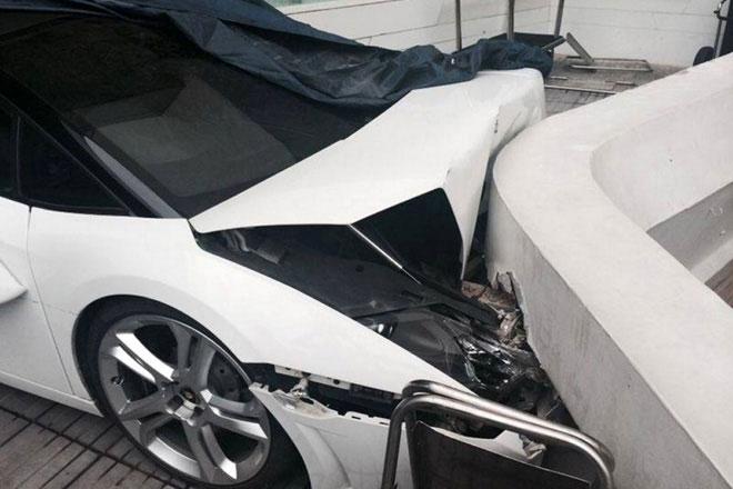 Lamborghini-Crash-001