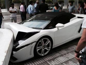 Stupid Valet Crashes Lamborghini
