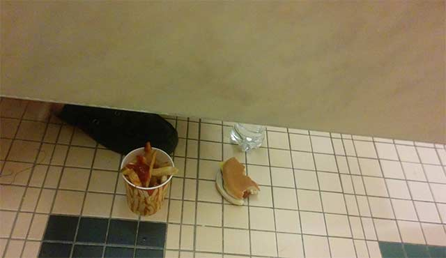 Only In America Man Eating In Bathroom Stall - American bathroom stalls