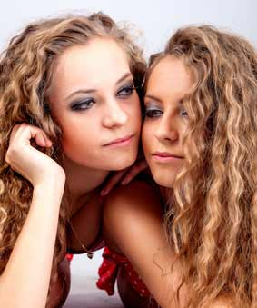 Lesbian twins and sisters